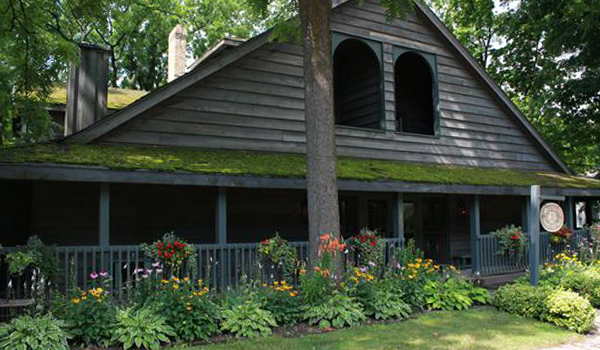 Little Inn Guest Cottage Bayfield Ontario Canada
