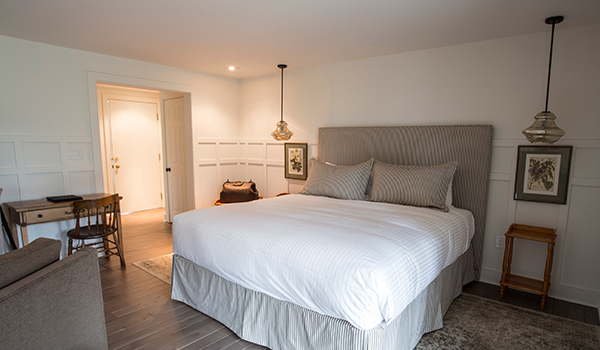 Little Inn Guest Rooms Suite Bayfield Ontario Canada